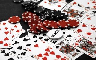 карти, фішки, покер, дилер