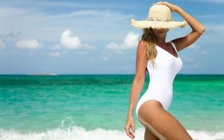 девушка, блондинка, макро, пляж, океан, красиво, фигурка, шляпа, лето