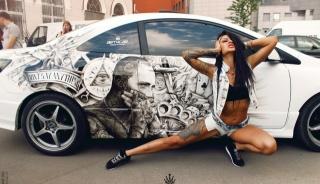 дівчина, Авто, тюнінг, малюнок, тема, креатив, брюнетка, позує, місто, паркінг, тату, люди