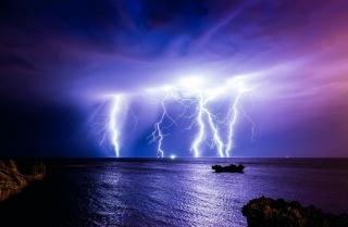 příroda, noc, krásně, bouřka, cyklon, blesk, blesk, 1000000000 voltů, 400000 a, nebe, mraky, moře, skály