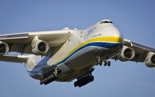Antonov, an 225, mriya, an-225, Mriya, the, great, cargo, the plane, in, the world, Ukraine, weight, 590 tons, capacity, 254 tons, the speed of 762 km, the sky, flight, blue, yellow, antonov 225