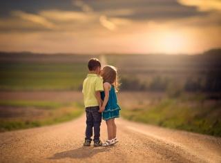 children, boy, girl, friendly, kiss, macro, photo, positive