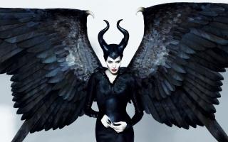 maleficent, maleficente, angelina jolie