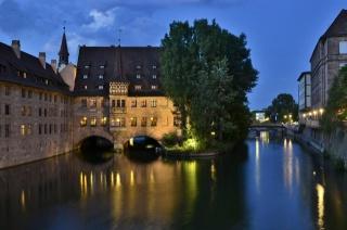Німеччина, Нюрнберг, річка, будівлі, міст, краса, вогні
