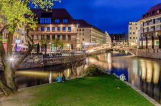 Німеччина, Нюрнберг, будівлі, річка, міст, вогні, вечір, краса