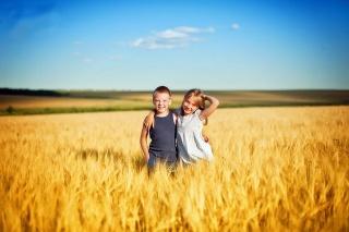 children, joy, friends, the sun, summer, field, the sky, beauty