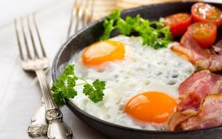 SCRAMBLED eggs, BACON, Breakfast, egg