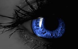 Синий женский глаз, ресницы
