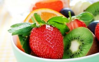 strawberry, Kiwi, orange