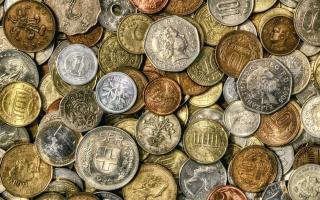 монеты, насыпью