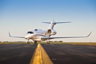самолет, взлетная, полоса, бизнес-джет, белый, фото, небо