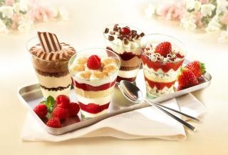 шоколад, десерт, ложки, малина, стакани, крем, солодке