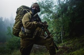 ліс, автомат калашникова, спорядження, солдат