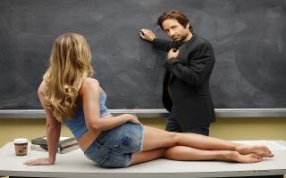 Девід Духовни, американський актор, кадр з фільму, дівчина