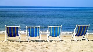 white sand, Sunbeds, the ocean