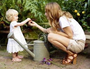 Masha Novoselova, model, girl, child, lake