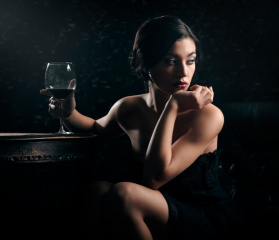 holka, make-up, sklenku vína, sny