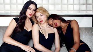 dívky, trio, pózuje