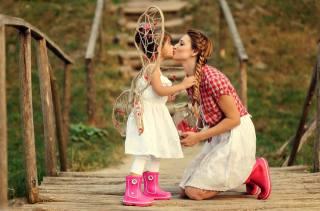 dívka, máma, polibek, náladu