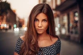 holka, model, fotograf, Martin Kuhn, portrét, ulice, vlasy, pohled