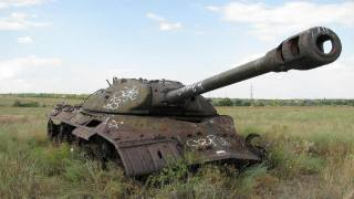 Танк, заброшенный, заброшенный танк, ис-3, поле