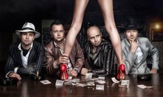 Daniel Ilinca, men, table, money, people, bills, feet