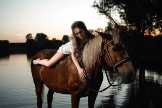 девушка, на природе, речка, вечер, верхом на лошади, фотограф, николай лукьянов