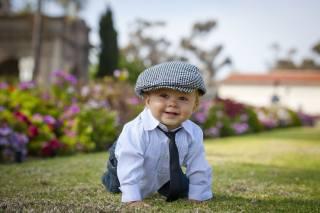 дитина, хлопчик, малюк, сорочка, краватка, кепка, природа, літо, галявина