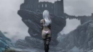 Девушка Лед идет к замку на скале, персонаж игры. The Elder Scrolls V, обои для рабочего стола