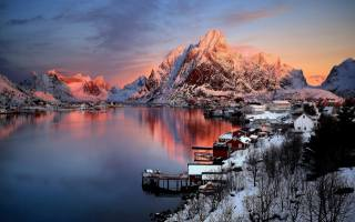 Norway, Norway, Bay, mountains, home, the village, winter, snow, morning, dawn