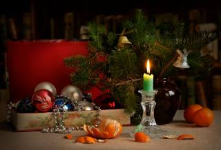 branches, Bells, New year, Candle, tangerines, tree, Toys, decoration, box, beads, holiday, spruce, vase