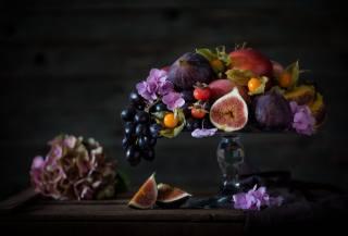 доски, ткань, бананы, виноград, плоды, физалис, фрукты, гортензия, шиповник, ягоды, персики, инжир, цветы, ваза