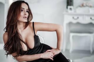 Martyna Bobkowicz, women, black dres, boobs