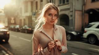 Георгій Чернядьєв, дівчина, позує