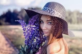девушка, цветы, длинные волосы, взгляд, красивая, портрет