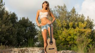 дівчина, гитара.
