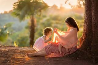 MadinaLuck, люди, мать, мама, женщина, дети, младенец, природа, дерево, ствол