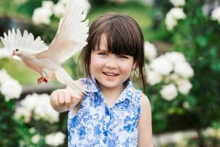 Miki Tabata Sauce, girl, child, dress, dove, nature, flowers, smile