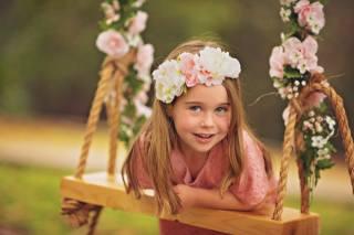 Daniela Gabay, child, girl, dress, wreath, flowers, nature, summer, swing