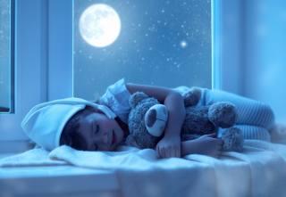 child, pajamas, колпачок, window, sill, night, sleep, toy, bear