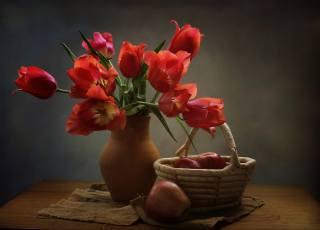 крынка, цветы, тюльпаны, корзинка, яблоки, ткань, мешковина