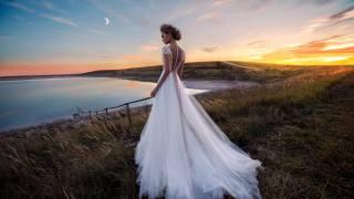 невеста, трава, озеро, луна, сумерки