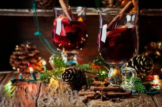 holiday, Board, New year, Christmas, glasses, tree, drink, needles, light bulb, cones, Spices, mulled wine