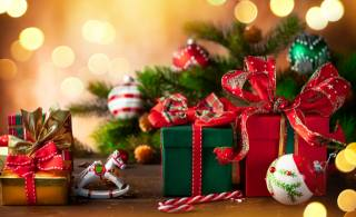 holidays, New year, Christmas, branches, needles, spruce, tree, Toys, Balls, horse, box, gifts, candy, bokeh