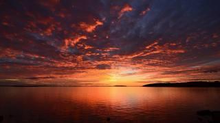закат вода озеро, облака солнце