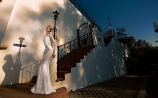 girl, blonde, the bride, stairs, the house