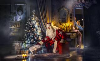 праздник, Новый год, комната, елка, дед мороз, коробки, подарки, свечи, дети