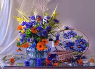 Валентина Колова, stůl, váza, květiny, васильки, ноготки, měsíček lékařský, spikes, bylinky, sprchovým závěsem, šití, výšivky, пяльцы, šperkovnice, mušle, šňůru, мулине, nůžky, odraz
