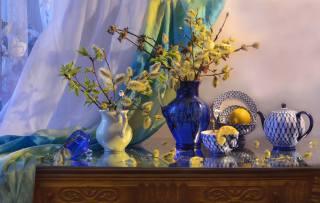 Валентина Колова, komoda, džbány, větvičky, верба, kávovar, šálek, talíře, pohár, nádobí, porcelán, citrony, závěsy, jaro
