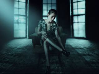 girl, actress, pose, sitting, the film, personal shopper, Kristen Stewart, bathroom, legs, face, chair